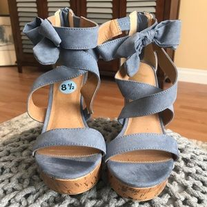 Blue Bow Wedges
